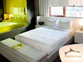 hotel zero 1. Black Bedroom Furniture Sets. Home Design Ideas