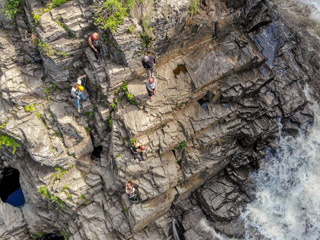 Projet vertical - Via Ferrata au Canyon Ste-Anne
